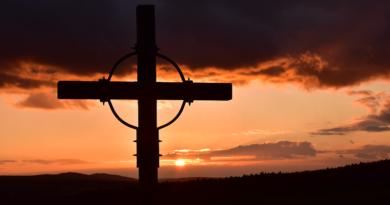 Křížová cesta – I otcové a muži mají své kříže a utrpení